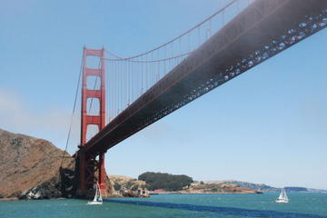 Golden Gate Bridge - Most beautiful bridge of San Francisco