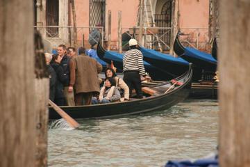 Traghetto Crossing (Gondola Alternative!)