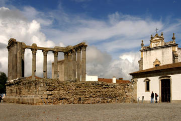 5 Reasons to Go to Evora