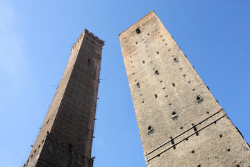 Two Towers (Due Torri), Bologna