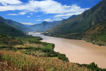 Stops Along the Yangtze River