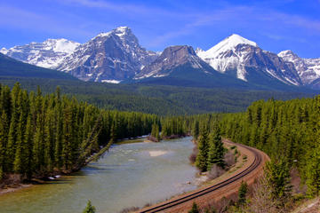 Rocky Mountain Train: Vancouver-Banff Line