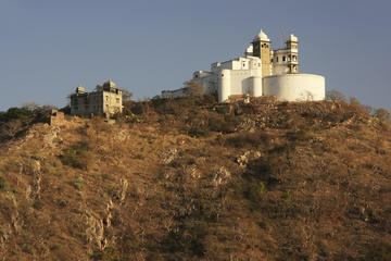 Sajjangarh Palace (Monsoon Palace)