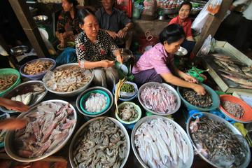 Russian Market (Tuol Tom Poung Market)