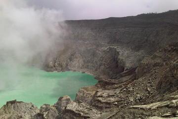 Ijen Crater (Kawah Ijen)