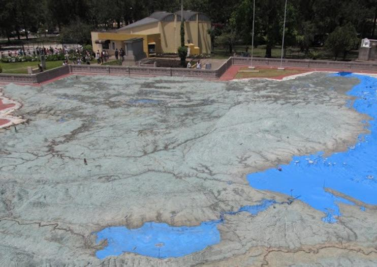 Relief Map (Mapa en Relieve)