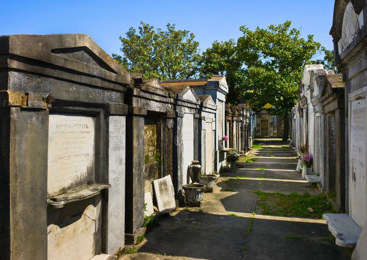 los cementerios