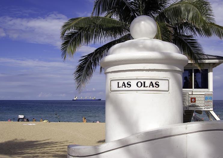 Calm Waters Ideal For Families And People Who Like To Wade Relax In The Ocean Las Olas Beach Is Quintessential Fort Lauderdale