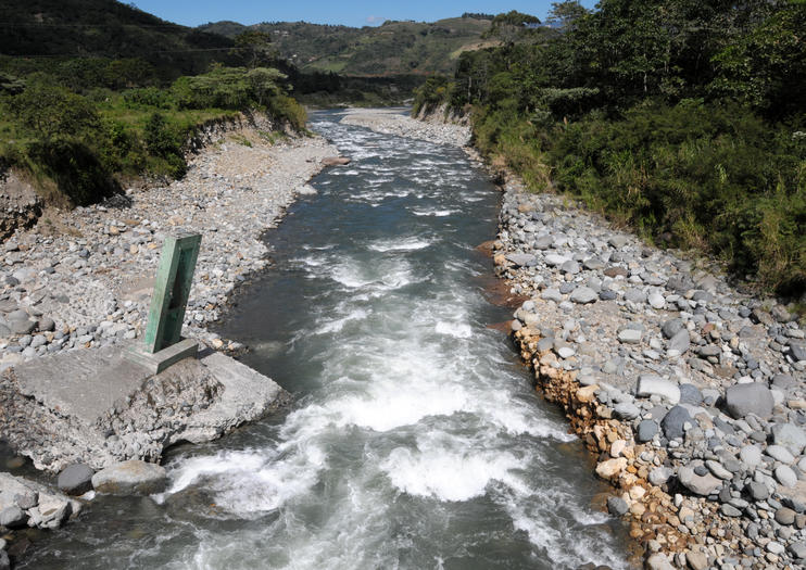 Orosi-Flusstal