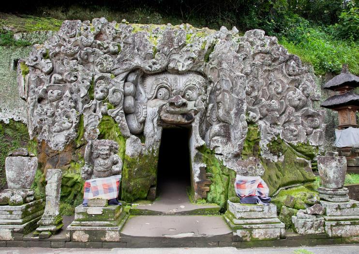 ゴア・ガジャ(象の洞窟)