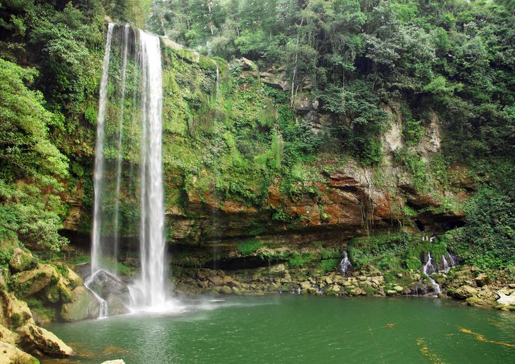 Cascada de Misol-Ha (Misol-Ha Waterfall)