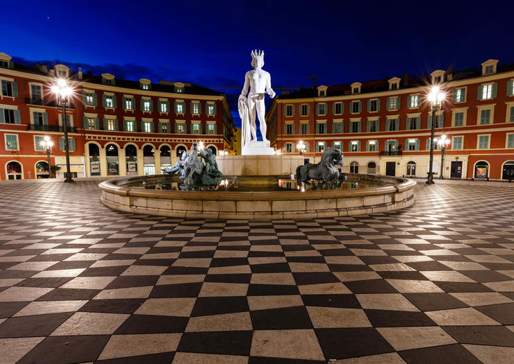 Massena Square (Place Masséna)