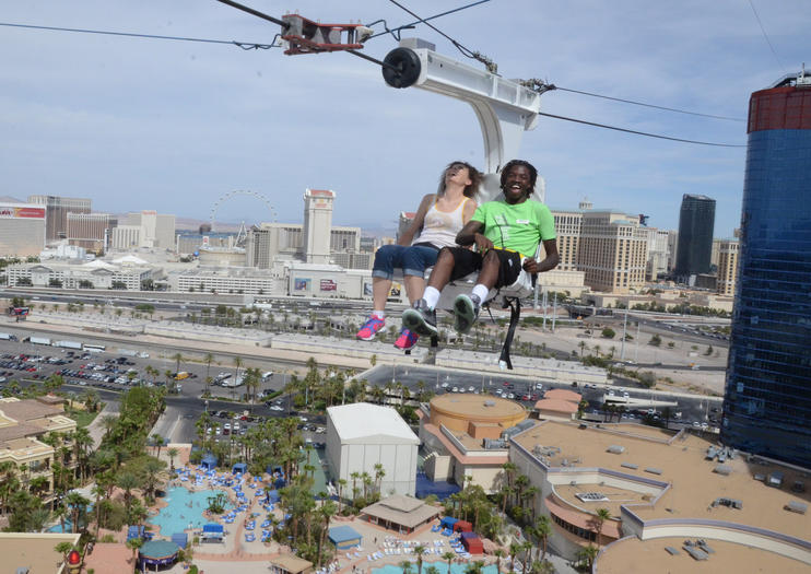 Las Vegas Doesn T Do Entertainment On The Small Scale And One Of Its Newest Amut Park Like Rides Disoint Voodoo Zip Line Is Strung