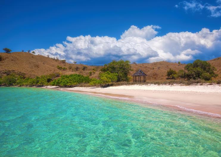 Plage de sable rose (Pantai Merah)