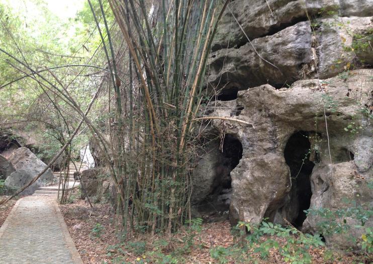 Cueva Batu Cermin (Roca Espejo)