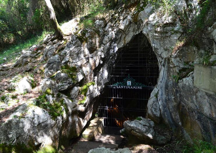 Santimamine Caves