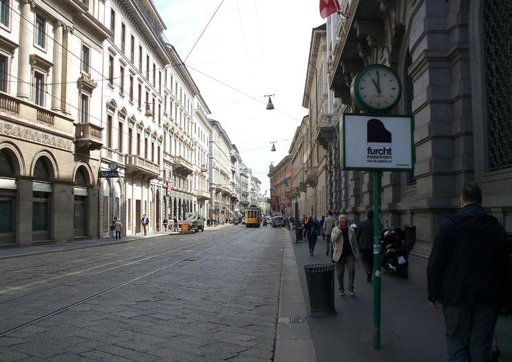 Milan Via Manzoni (Via Alessandro Manzoni)