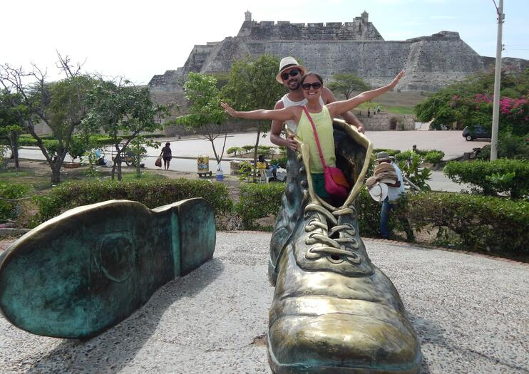 Old Shoes Monument (Los Zapatos Viejos)