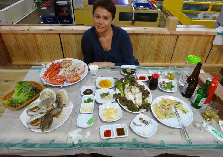 Sokcho Tourist & Fishery Market (Jungang Market)
