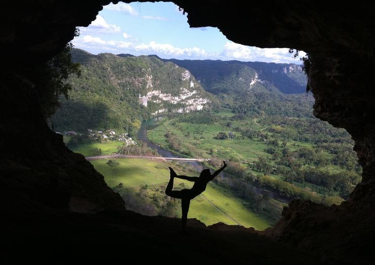 Window Cave (Cueva Ventana)