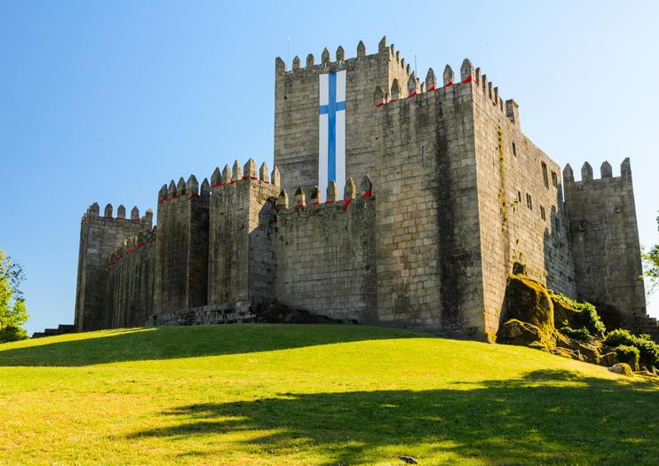 The 10 Best Guimarães Castle (Castelo de Guimarães) Tours & Tickets 2021 -  Northern Portugal | Viator
