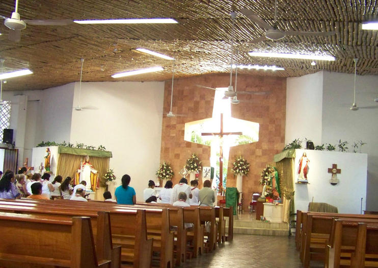 Cancun Christ the King Church (Iglesia de Cristo Rey)