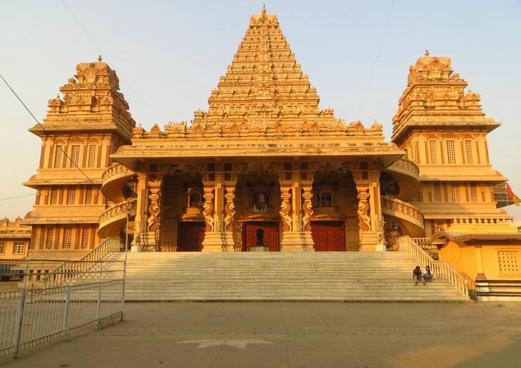 Chhatarpur Tempel