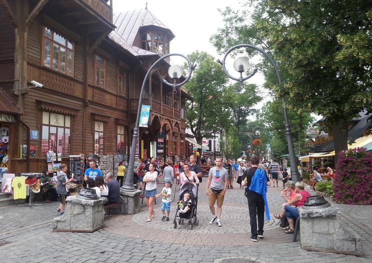 Krupowki Street (Ulica Krupówki)