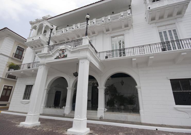 Presidential Palace (Palacio de las Garzas)