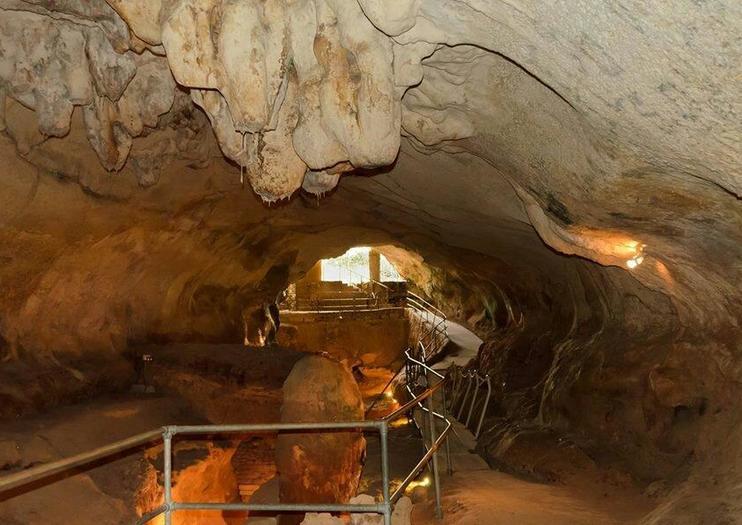 Cueva y Museo Ghar Dalam