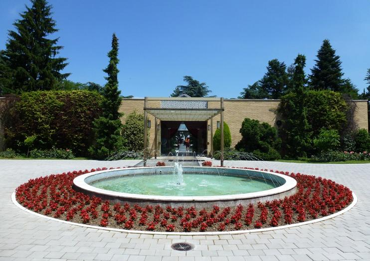 House of Flowers (Josip Broz Tito Mausoleum)