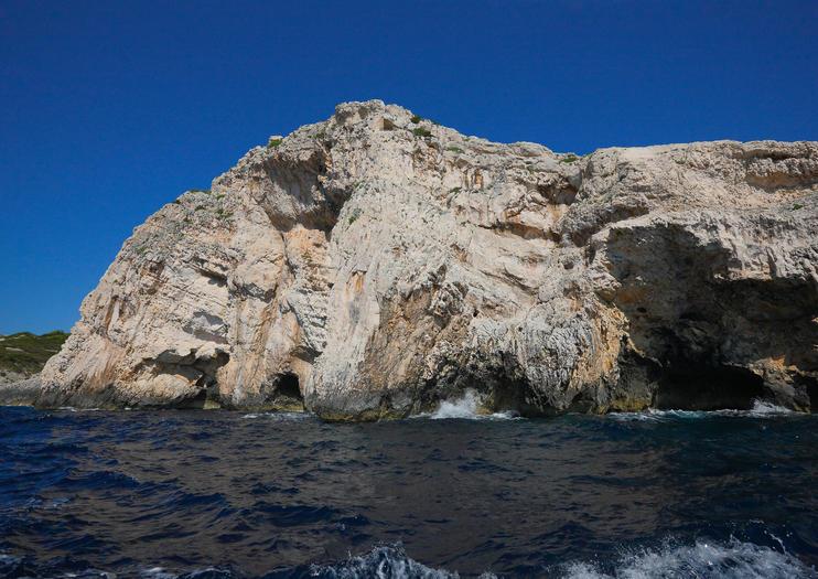 Bisevo Blue Cave (Modra Spilja)