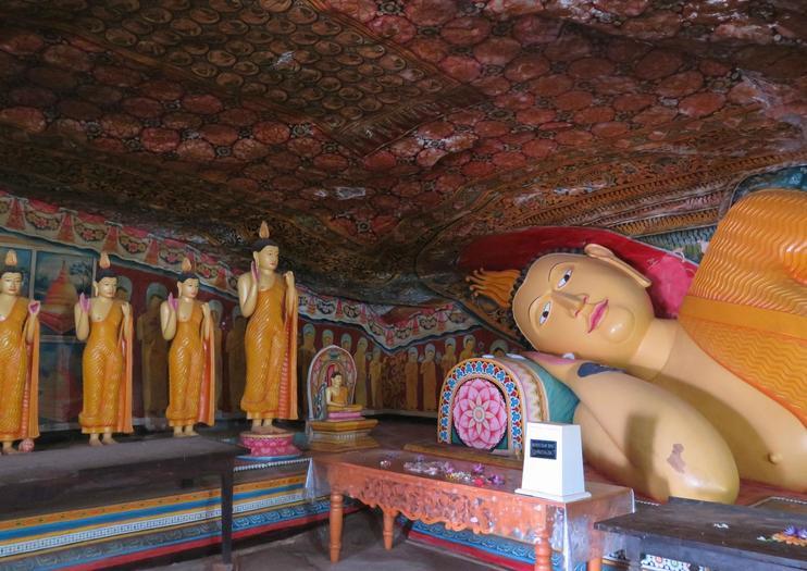 Mulkirigala Rock Temple (Mulkirigala Raja Maha Vihara)