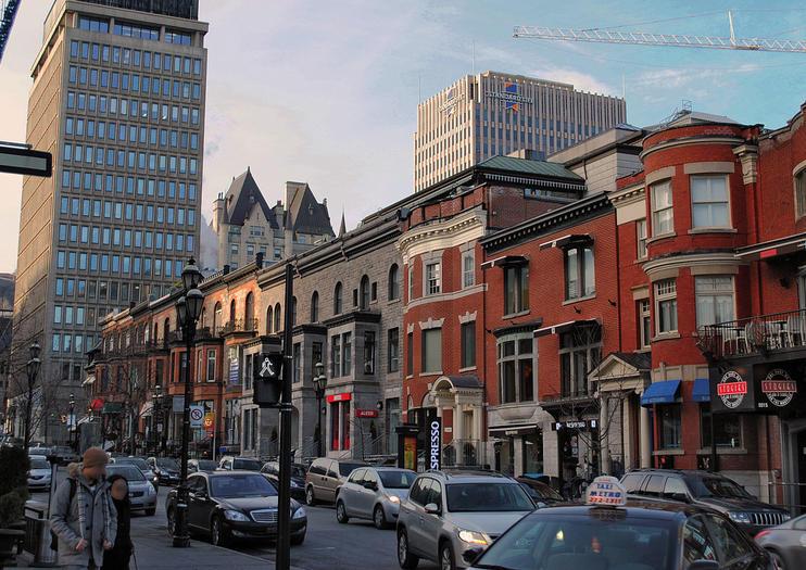 Crescent Street (Rue Crescent)