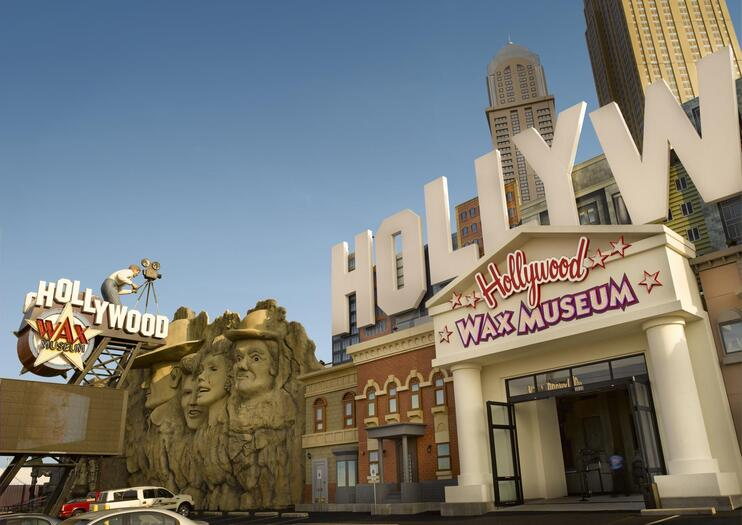 Hollywood Wax Museum Entertainment Center Branson