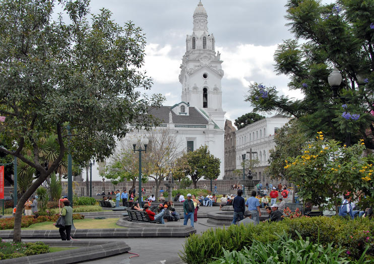 Independence Plaza (Plaza de la Independencia)