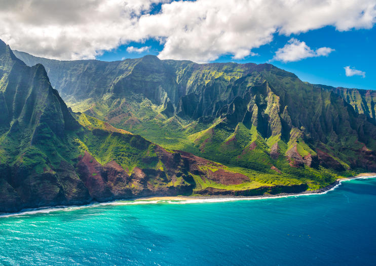 With Its Emerald Mountains Secluded Beaches And Turquoise Sea Kauai S Na Pali Coast State Park Or Napali Is A Natural Treasure Trove That Begs To