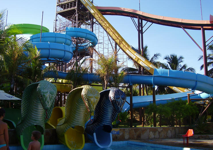 Fortaleza Beach Park Is A Hugely Por Entertainment And Leisure Complex On The Northeastern Coast Of Brazil Every Year More Than 700 000 People Visit
