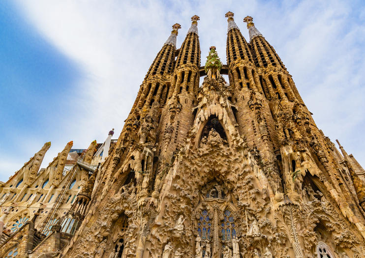 How to Choose a Sagrada Familia Tour