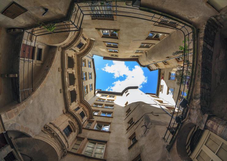 Exploring the Traboules of Lyon