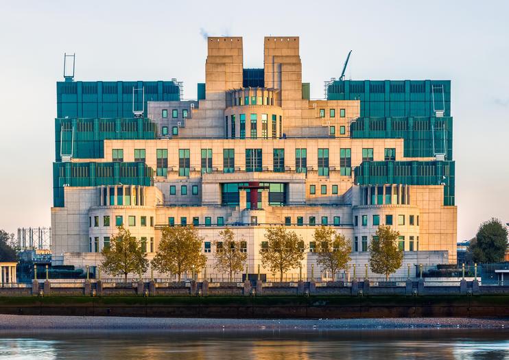 James Bond Tours in London