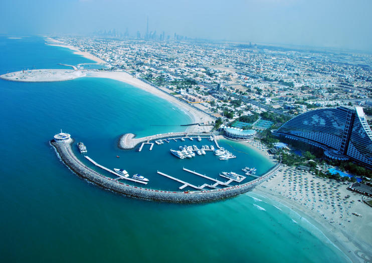 Thanks To Its Distinct Skyscrapers And Palm Shaped Islands You Havent Really Seen Dubai Until Youve Seen It From Above From Flight Seeing Tours And