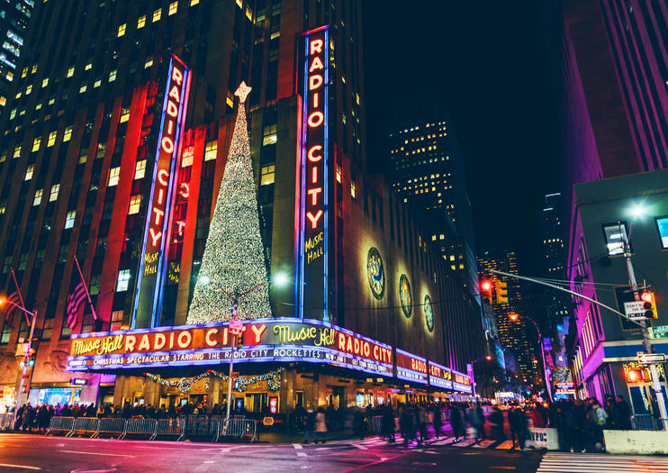 Ways to Celebrate Christmas and New Year\u0027s Eve in New York