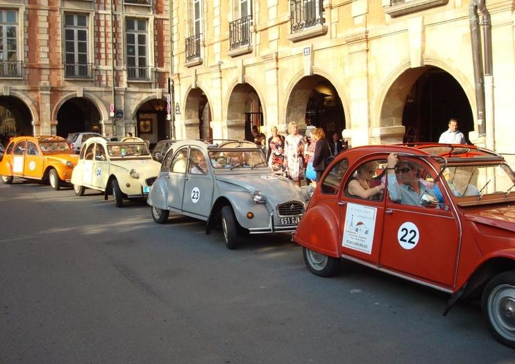 Paris by Citroen 2CV