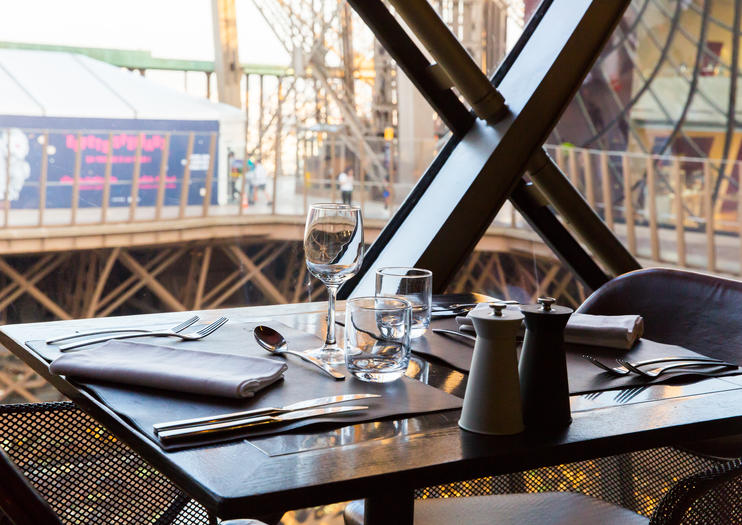 How to Dine at the Eiffel Tower Restaurants