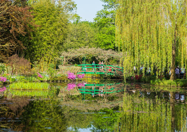 Versailles and Giverny Tours from Paris