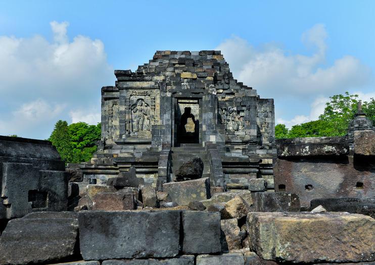 Lumbung Temple (Candi Lumbung)