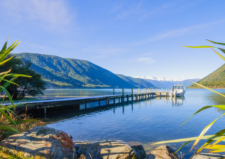 New Zealands Marlborough, Nelson, Farewell Spit & Beyond (Travel Adventures)
