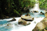 La Fortuna to Rio Celeste Full-Day Hiking Tour with Lunch