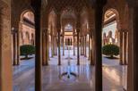 Evite as filas: excursão por Alhambra e banhos públicos em Granada